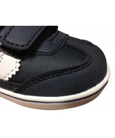 Zapatillas deportivas con puntera