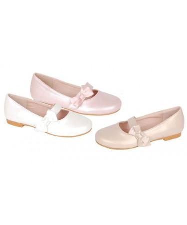 Zapatos de niña elegantes
